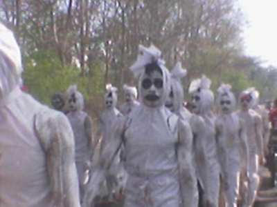 http://arsitexcommunity.files.wordpress.com/2009/03/pocong-arsitex-13.jpg