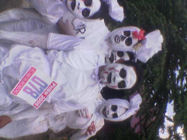 http://arsitexcommunity.files.wordpress.com/2009/03/pocong-arsitex-6.jpg